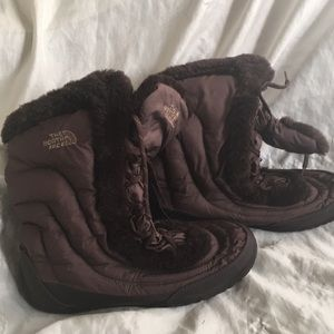 The North Face Women's Nuptse Faux Fur IV Boot 9.5